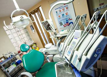 Implantologie si chirurgie